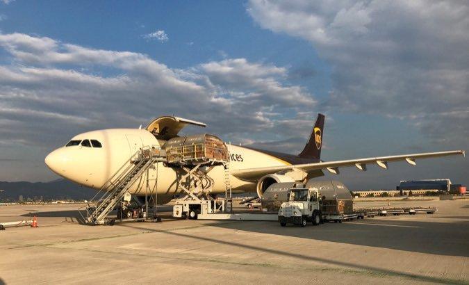 UPS_AirbusA300_Loading_Hart