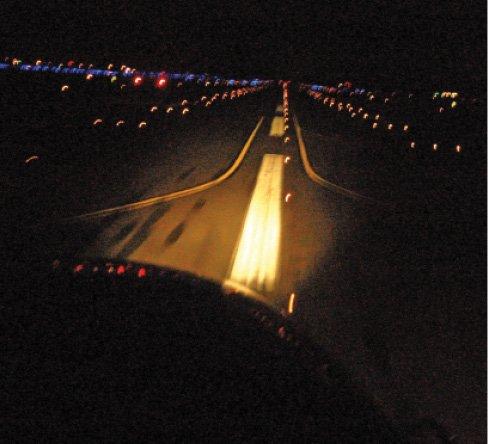071212-F-8733W-034_USAF_NightTakeoff